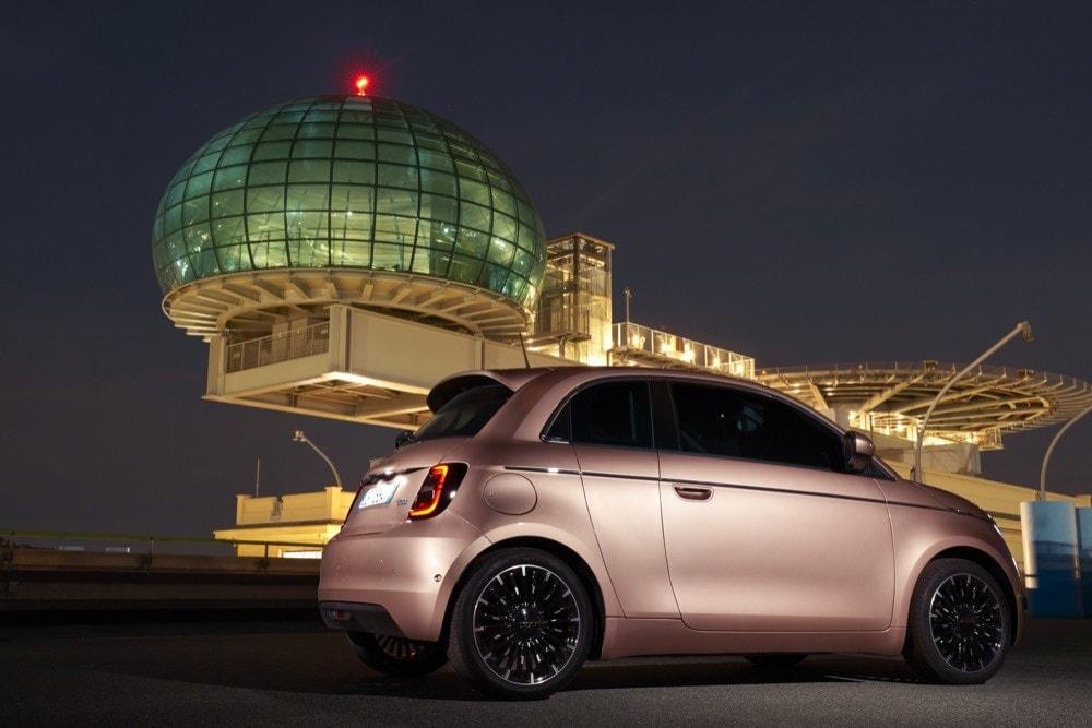 Fiat 500 elettrica 3+1: gli scatti