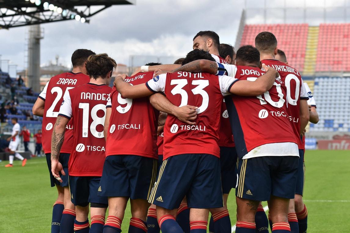 Che spettacolo tra Cagliari e Crotone: sei gol e tante emozioni