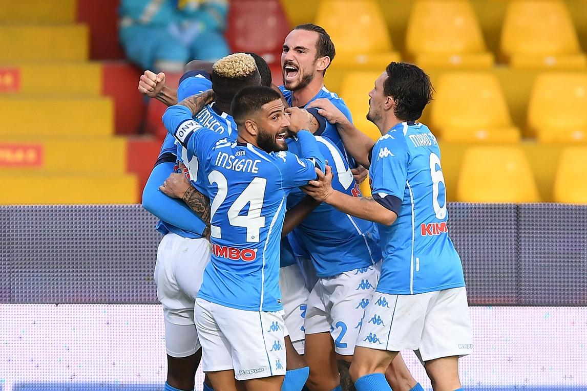La firma degli Insigne, poi Petagna: il Napoli vince il derby con il Benevento