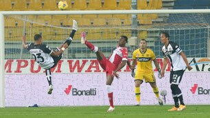 La Fiorentina ci prova, Sepe para sempre: 0-0 a Parma