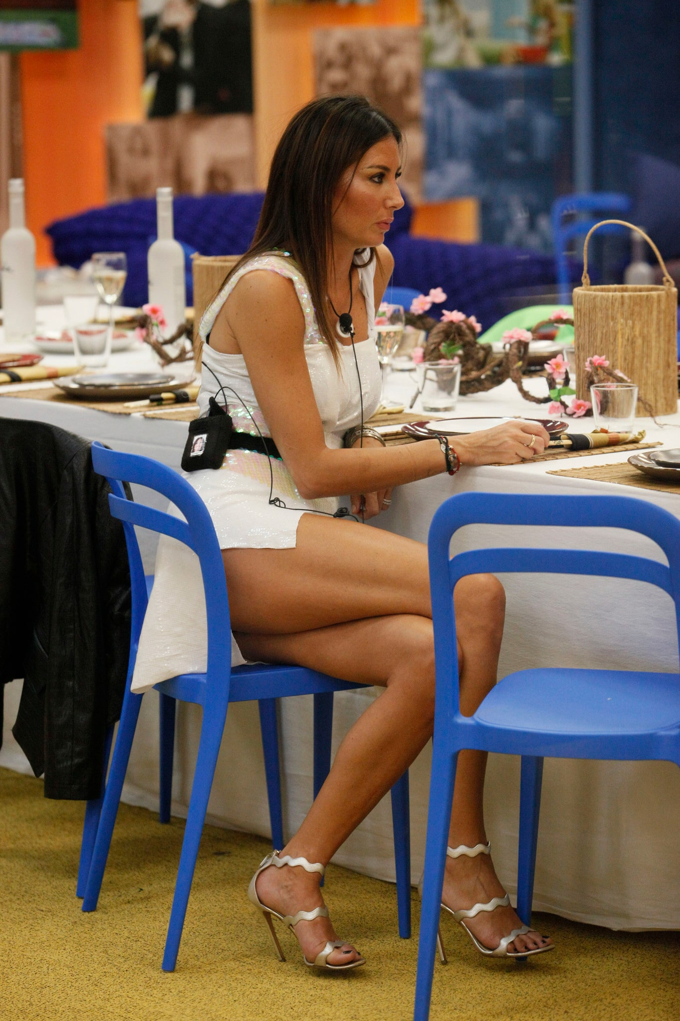 Elisabetta Gregoraci, the skirt that is too short gives her away