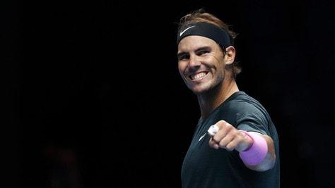 Atp Finals, Nadal è in semifinale: battuto Tsitsipas in tre set