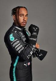 Hamilton festeggiato anche da Puma per i 7 Mondiali in F1