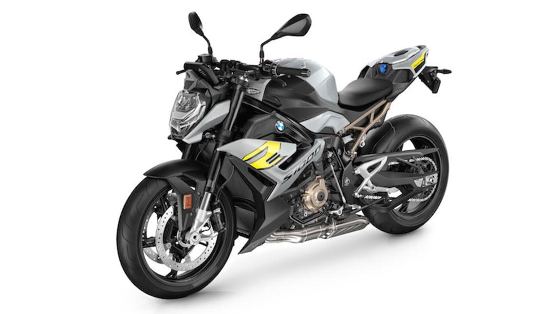 BMW S 1000 R 2021: le immagini