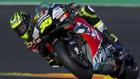GP Portogallo: Crutchlow vola nel warm up, Valentino Rossi 14°