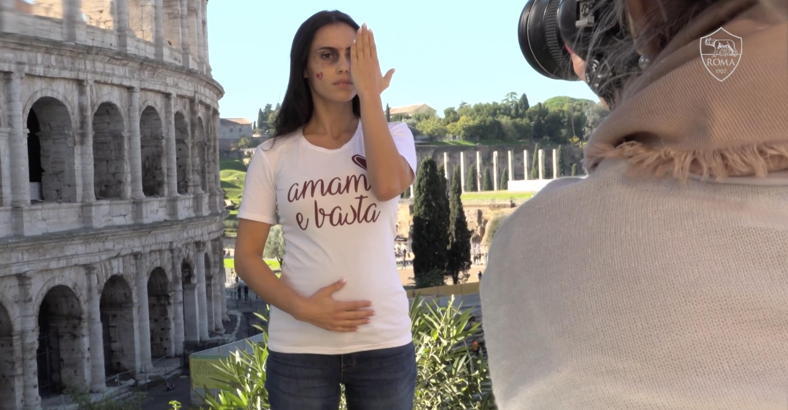 """Roma, """"Amami e basta"""": ecco il backstage del calendario delle mogli dei giocatori"""