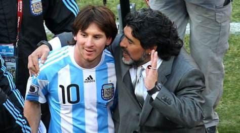 """Morte Maradona, Messi: """"Non se ne va davvero, Diego è eterno"""""""