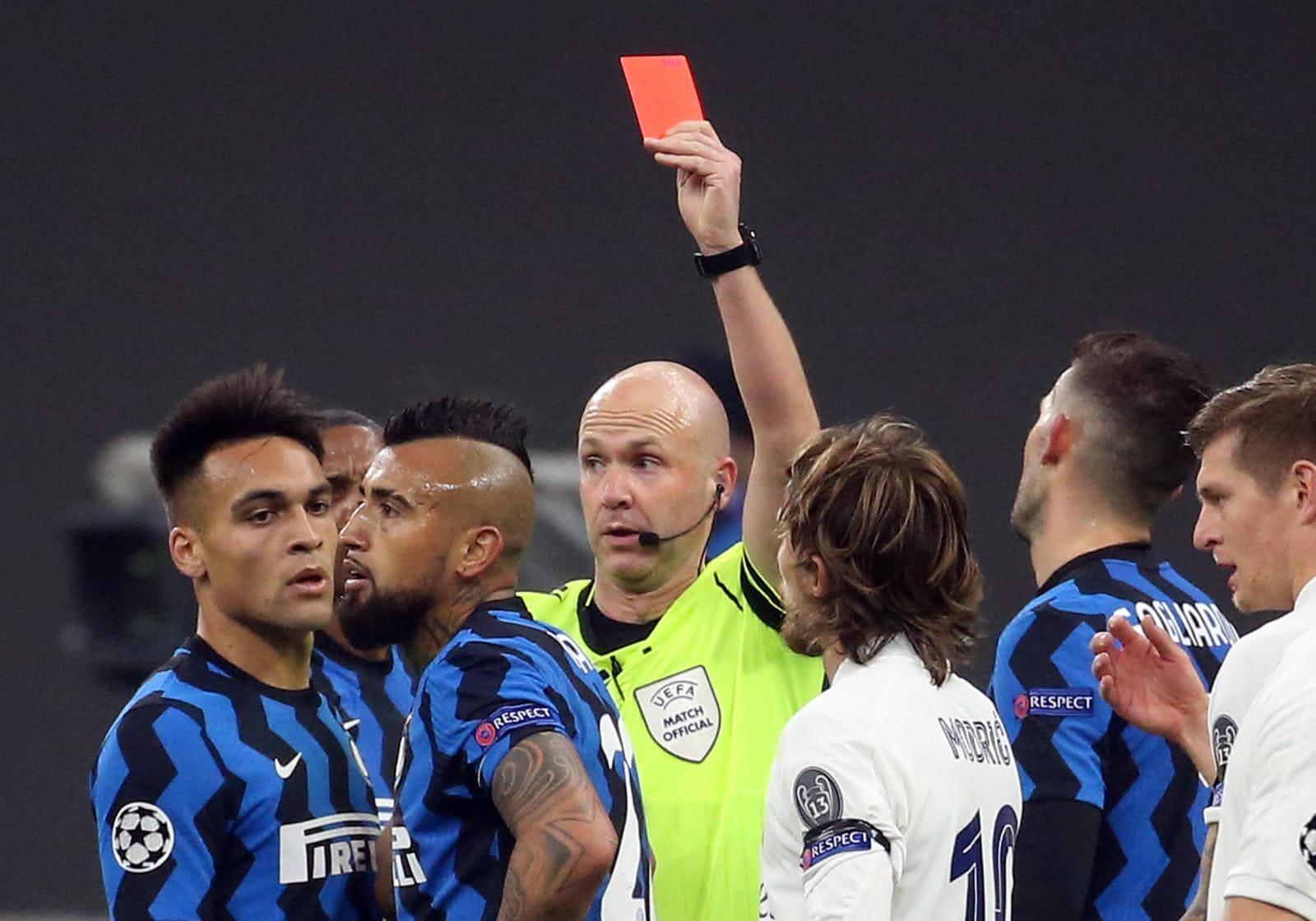 Champions, disastro Inter: Barella e Vidal spianano la strada al Real