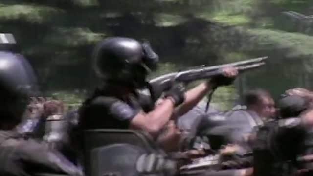 Scontri con la polizia al funerale di Maradona, feriti e arrestati