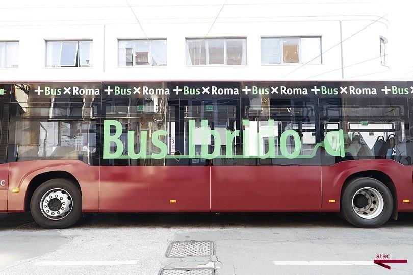 Roma, ecco il primo bus ibrido di Atac: FOTO