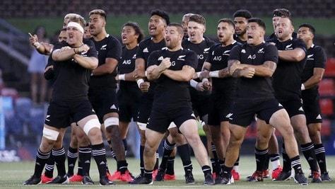 Rugby, niente effetto Maradona: gli All Blacks battono l'Argentina per 38-0