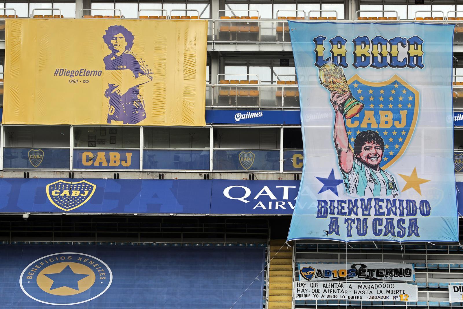 Maradona, l'omaggio del Boca: gigantografia alla Bombonera
