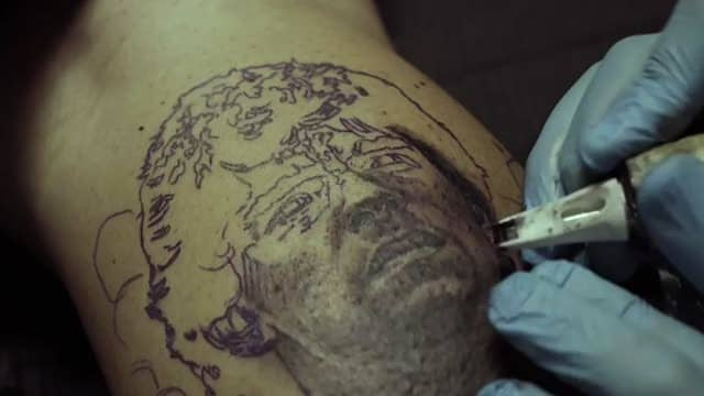 Maradona: il nuovo tatuaggio di Miccoli e i racconti al figlio Diego