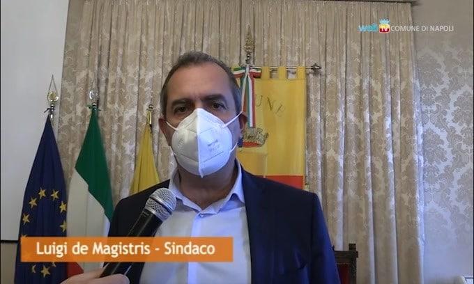 """L'annuncio di De Magistris: """"Stadio intitolato a Maradona"""""""
