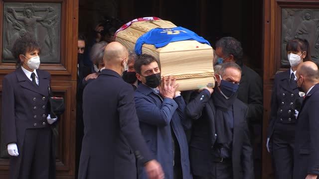 Paolo Rossi: la maglia azzurra sul feretro, le lacrime di Baggio e dei compagni