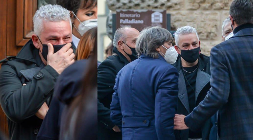 Roberto Baggio in lacrime al funerale di Paolo Rossi