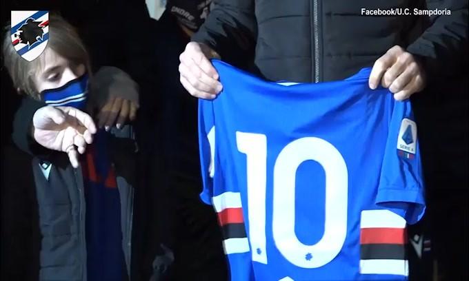 Quagliarella e la Sampdoria omaggiano Maradona