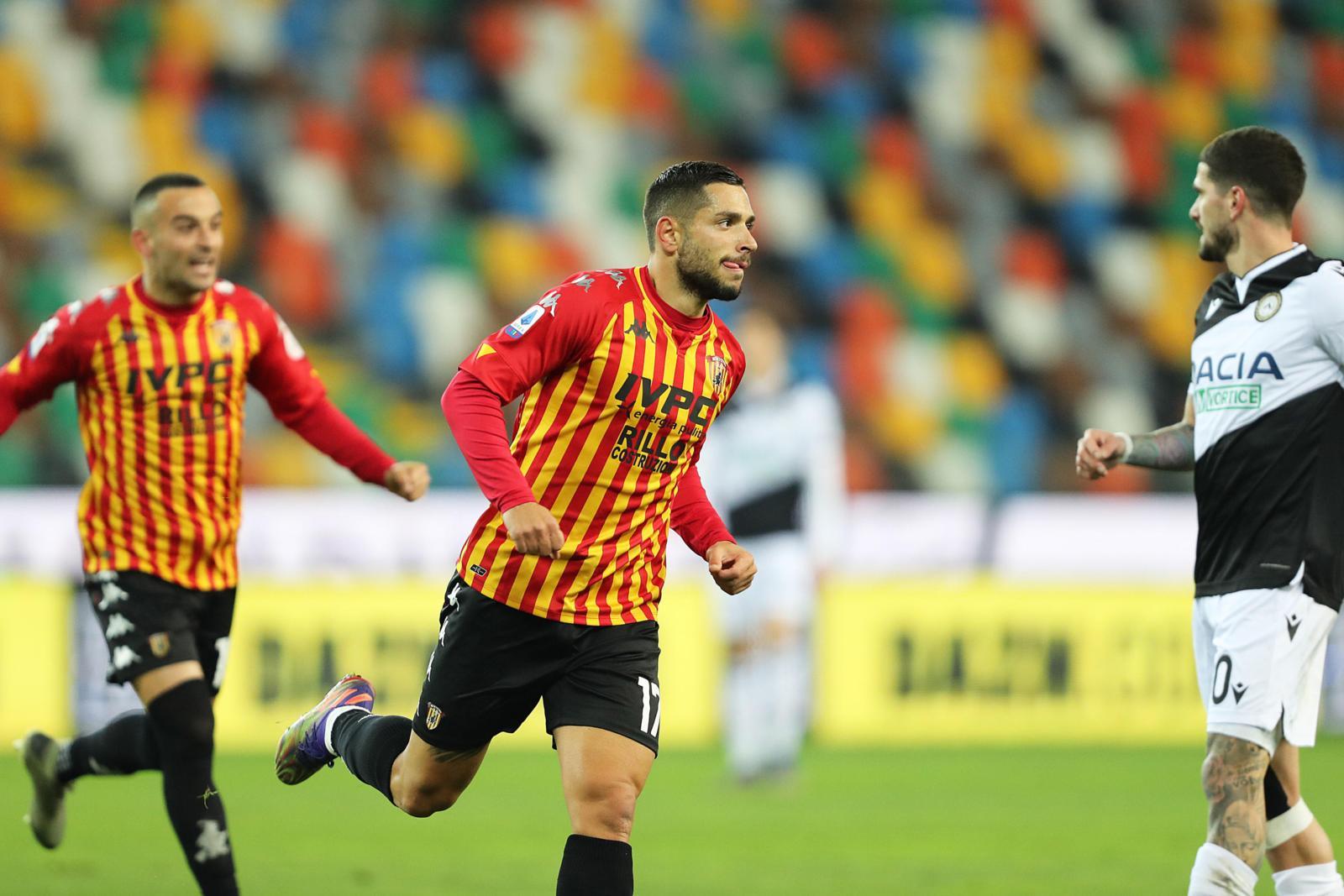 Il Benevento vola con Caprari e Letizia: 2-0 all'Udinese