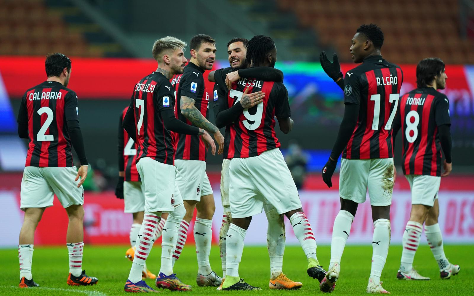 Leao è inarrestabile, Kessie implacabile dal dischetto: Milan-Torino 2-0