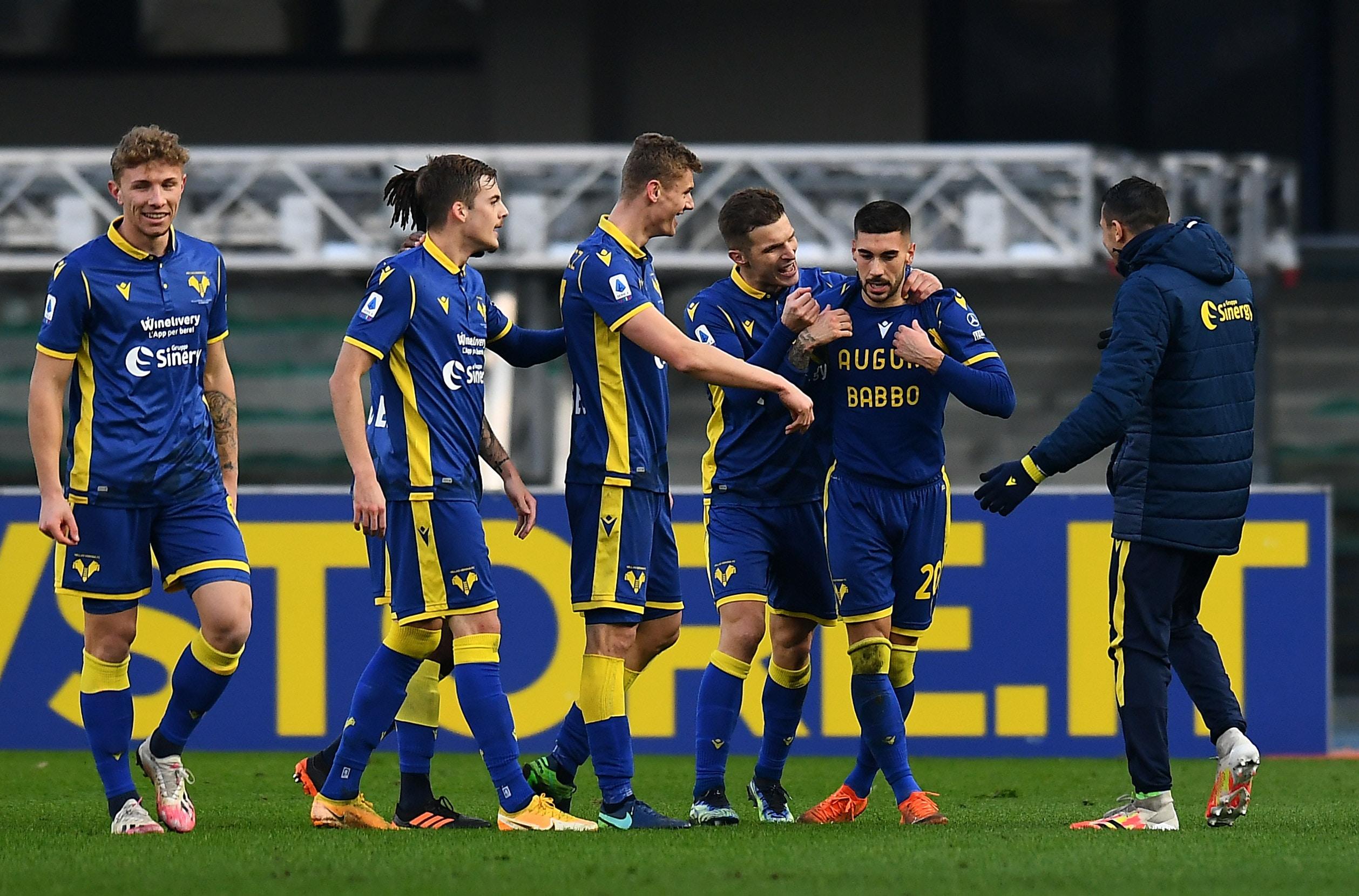 Il Napoli cade a Verona. La Juve accorcia su Milan e Inter