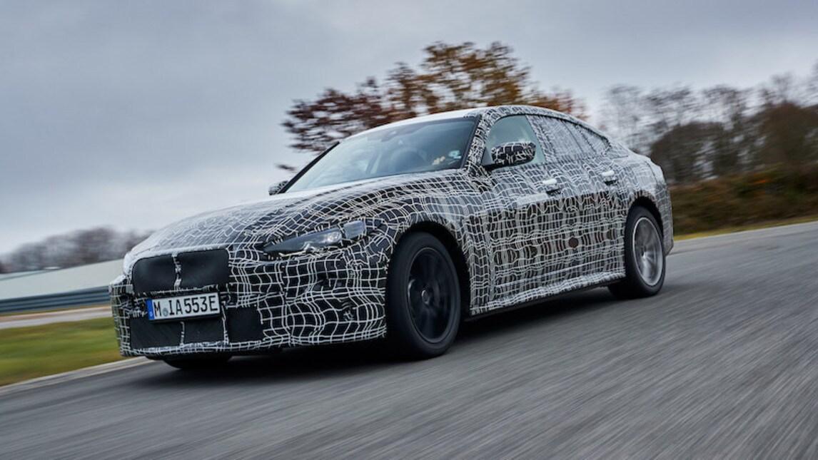 BMW i4, i muletti: le immagini