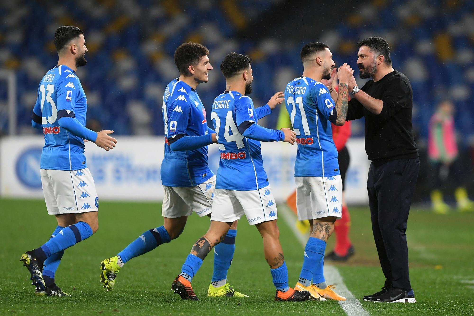 Il Napoli vince contro il Parma, tutta la squadra va ad abbracciare Gattuso