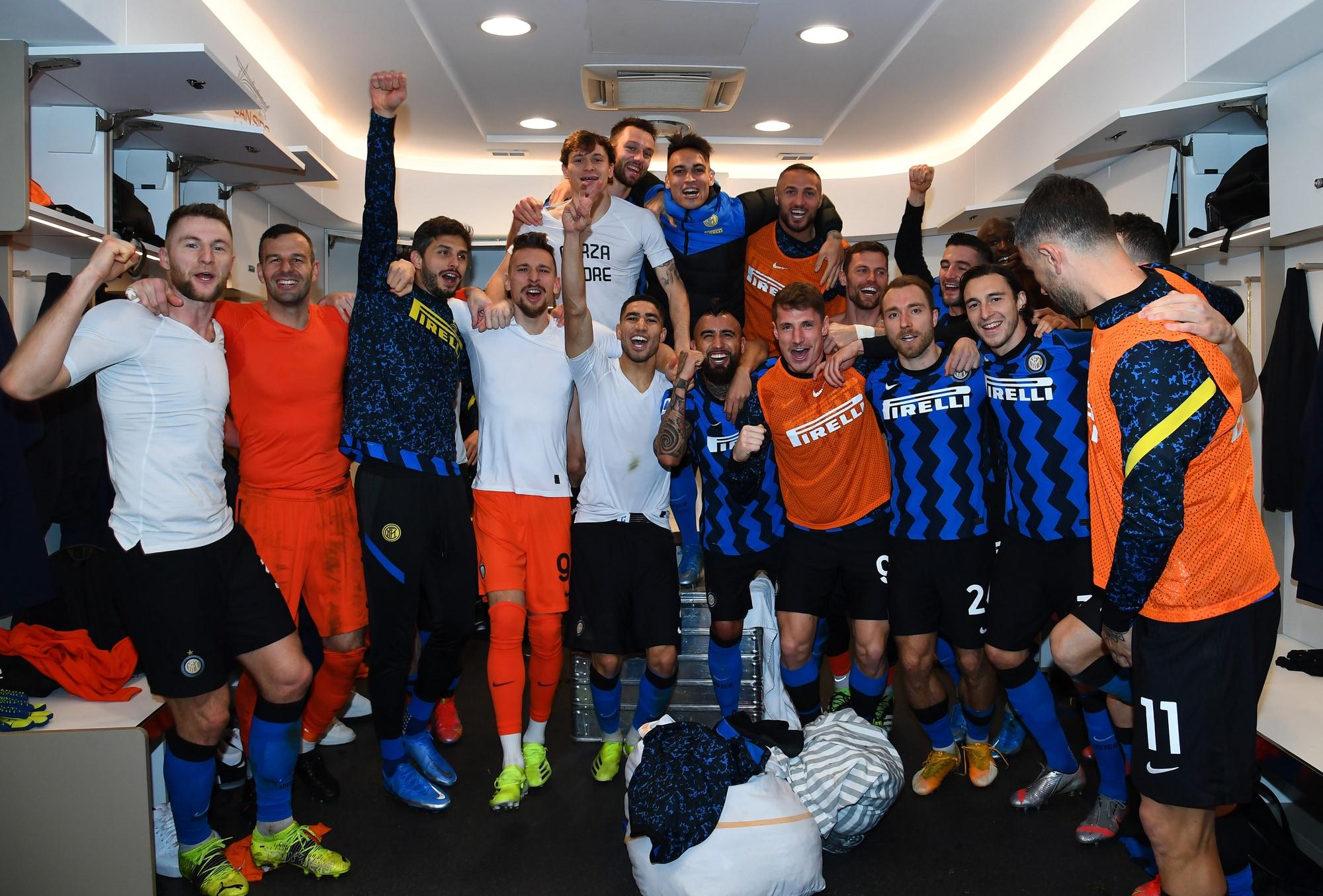 La festa dell'Inter dopo il derby, che esultanza per i nerazzurri!