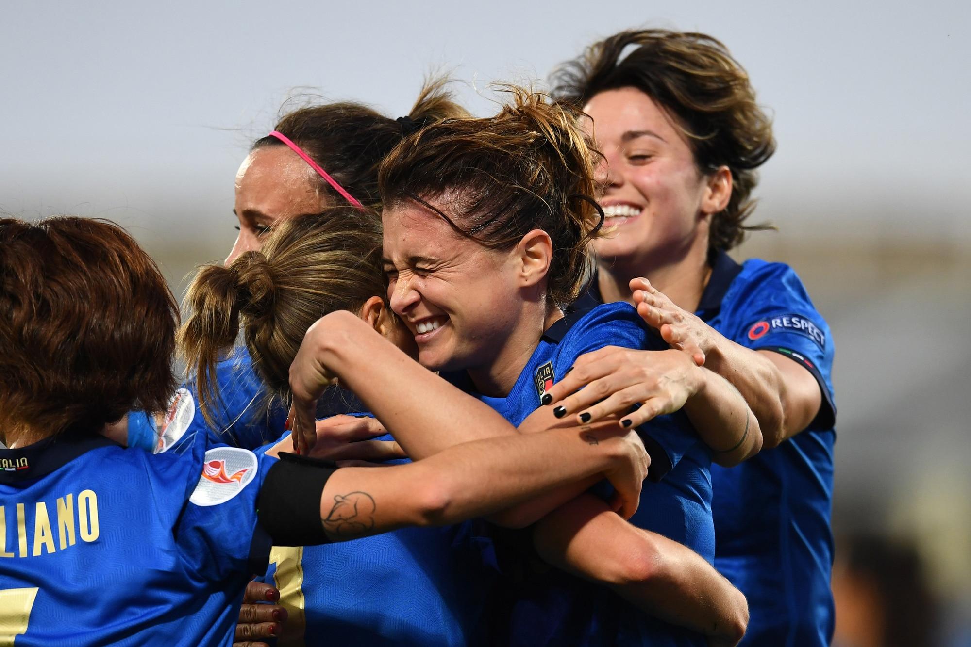 Sorelle d'Italia! La Nazionale femminile vola all'Europeo: 12-0 contro Israele