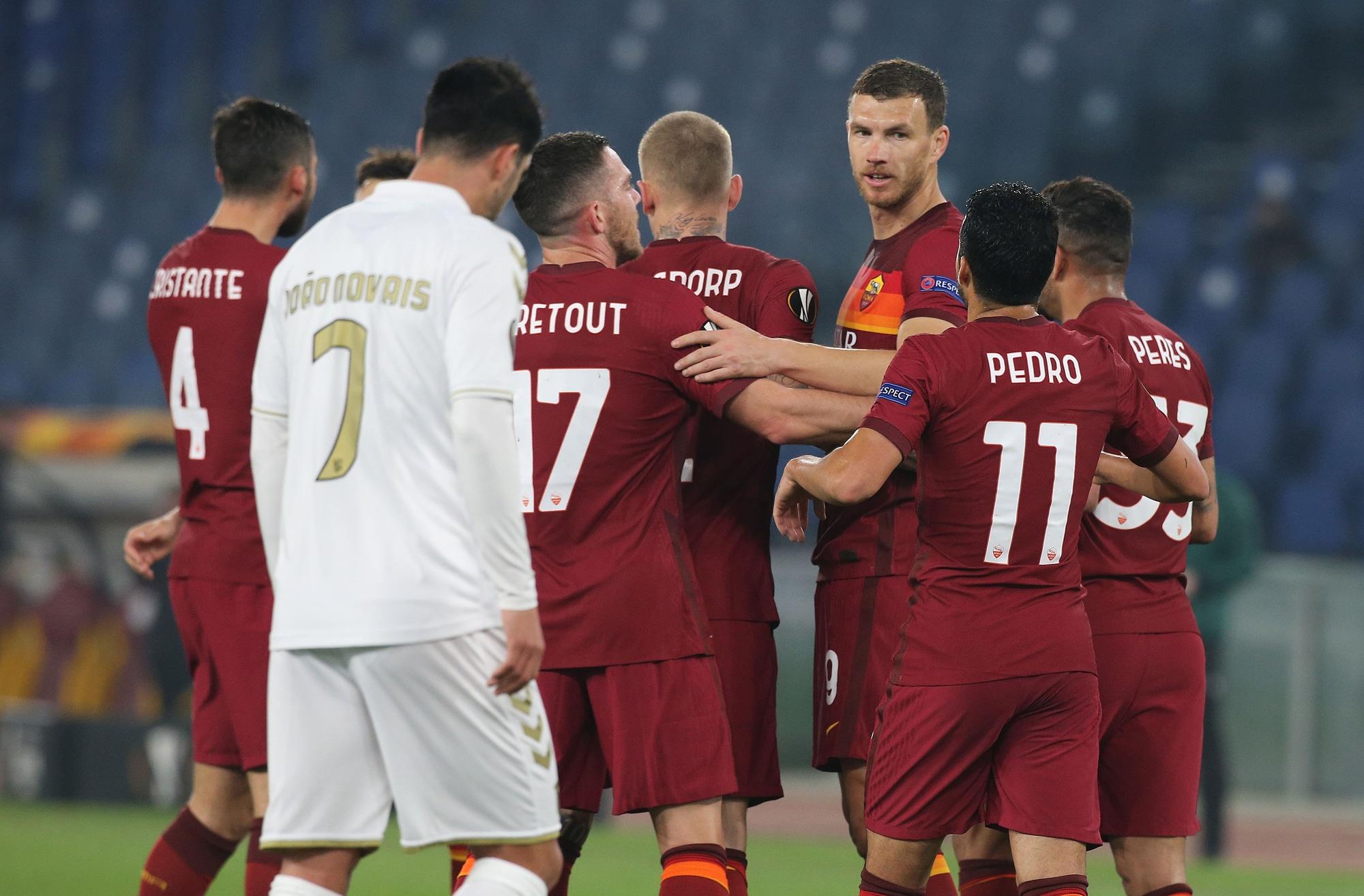 Roma agli ottavi di Europa League: Dzeko, record e ko
