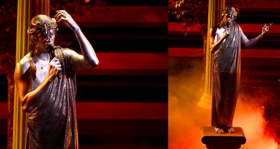 Sanremo, Achille Lauro è una statua greca