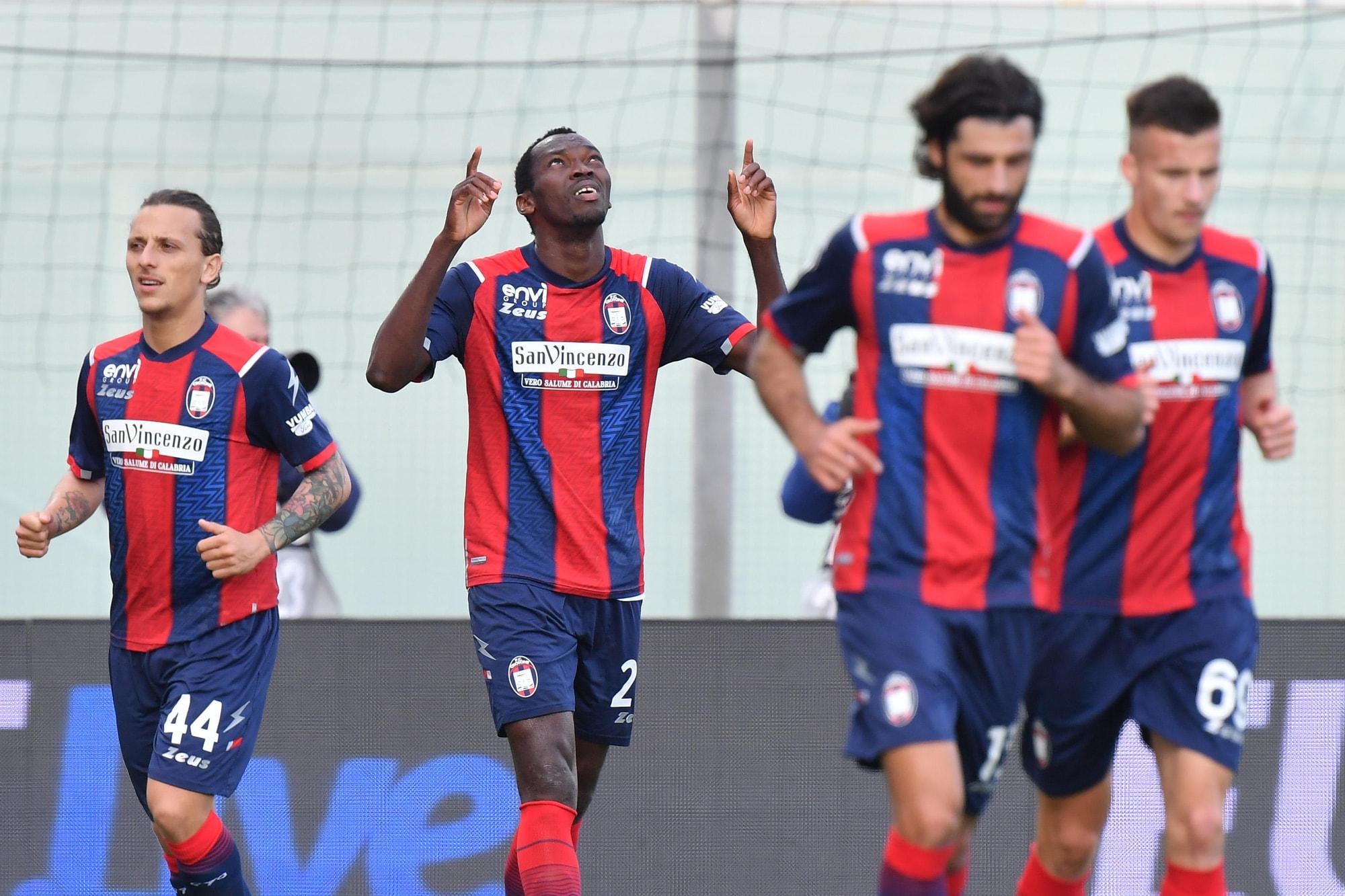 Primi tre punti di Cosmi a Crotone: 4-2 al Torino