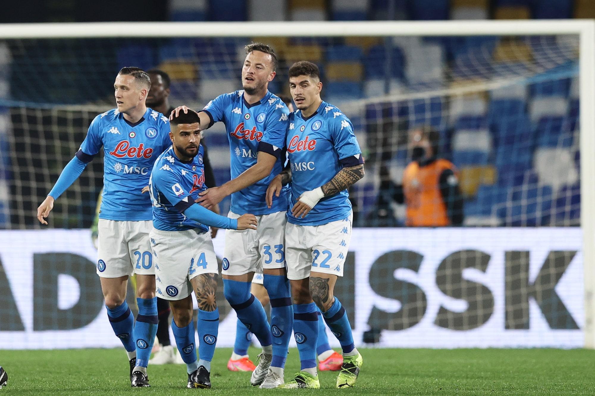 Insigne show, Osimhen torna al gol: il Napoli piega il Bologna