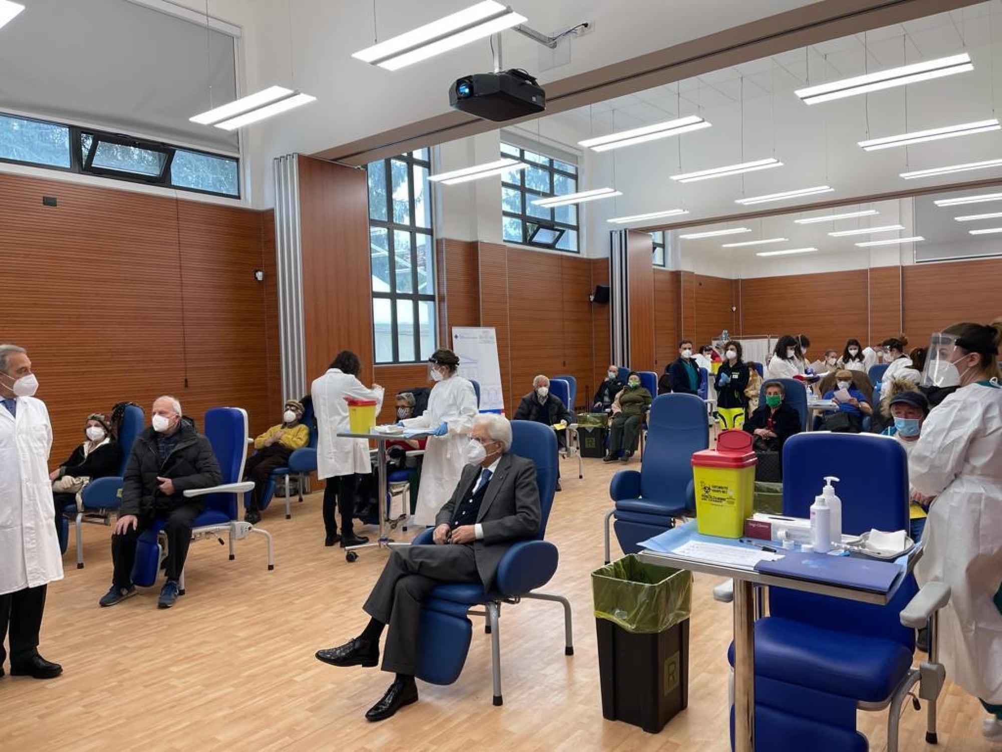 Mattarella vaccinato allo Spallanzani con il vaccino Moderna