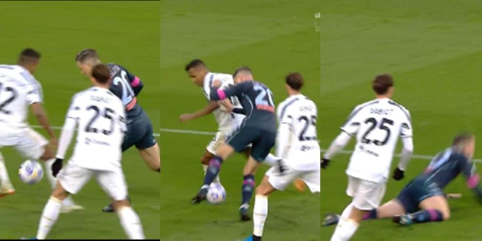 Juve-Napoli: la sequenza del contatto tra Alex Sandro e Zielinski