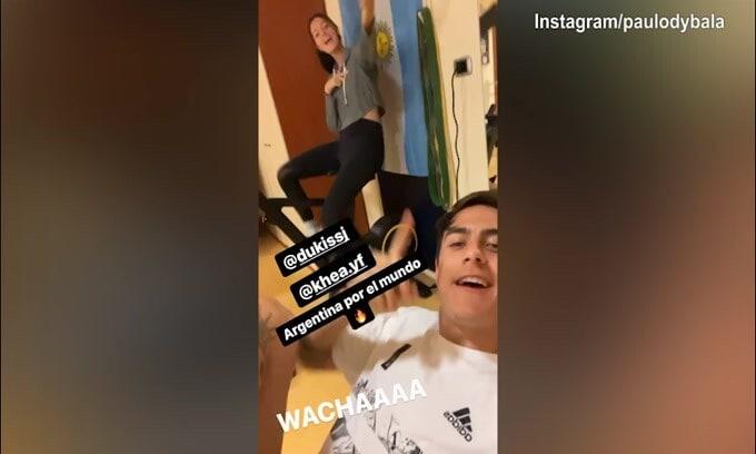 Juve, Oriana si allena e Dybala canta..