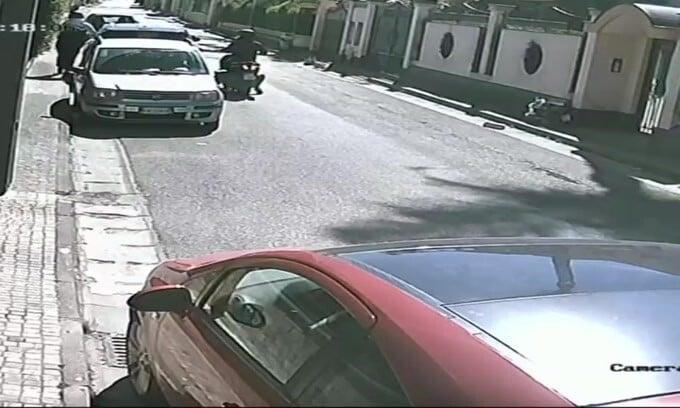 Range Rover Evoque rubato in 30 secondi a Napoli