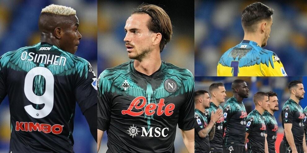 La nuova maglia del Napoli all'esordio contro l'Inter