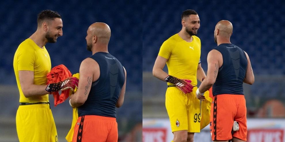 Gigio Donnarumma e Pepe Reina scherzano dopo la partita!