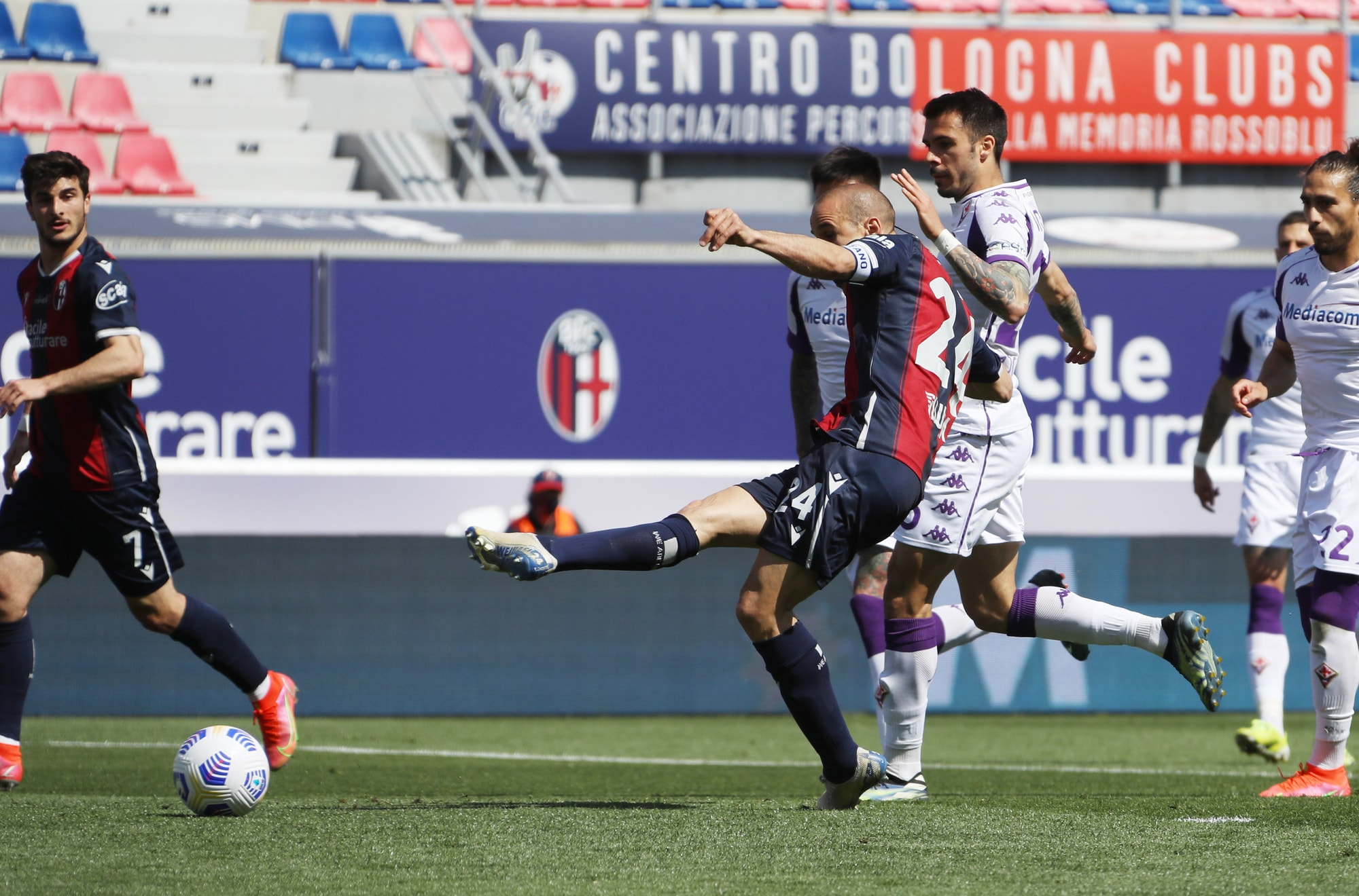 Show tra Fiorentina e Bologna, pari Atalanta: lo scudetto è dell'Inter