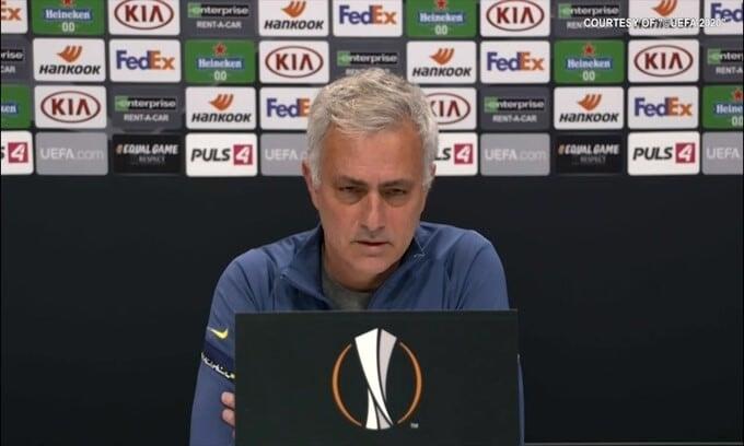 Mourinho e Kluivert unidos à profecia