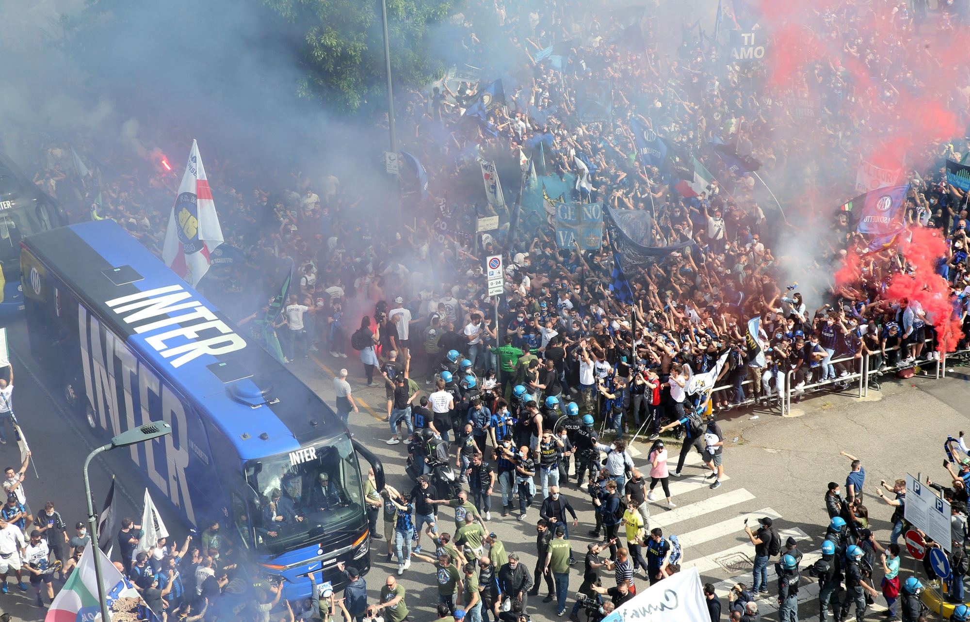 Festa Scudetto Inter, tremila tifosi a San Siro