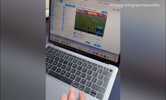 Mourinho studia la Roma: eccolo che osserva Calafiori