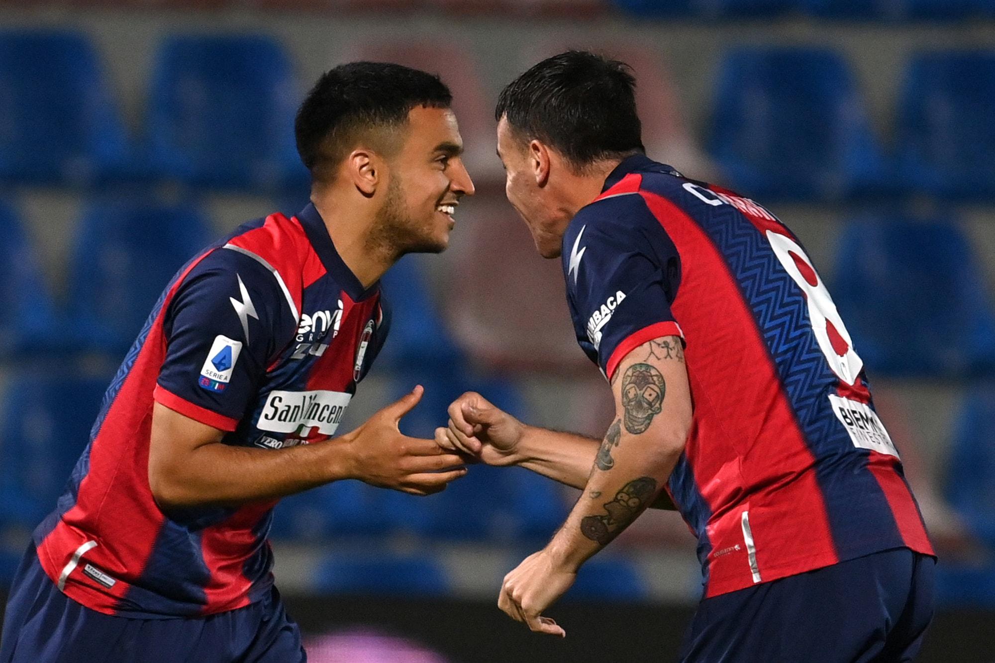Ounas, che show: gol e assist nel 2-1 del Crotone al Verona