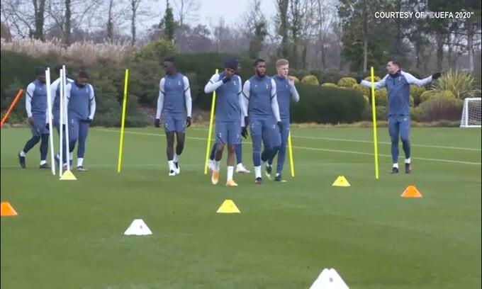 Tottenham, i tifosi rimpiangono Mourinho
