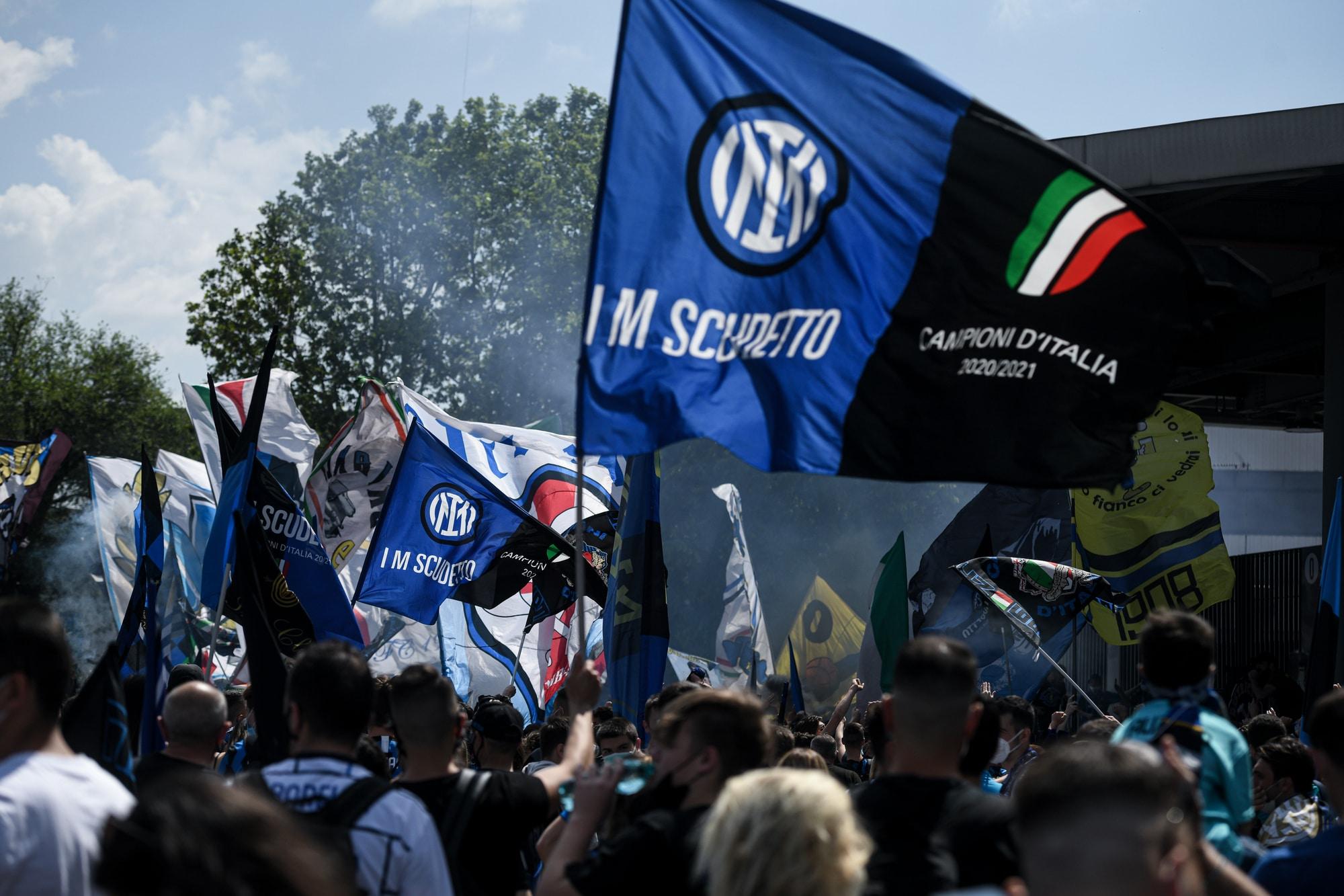 151314960 db08d62f 8997 4b03 8ff7 217f933dc0a5 - Inter, tifosi in delirio: in migliaia a San Siro per salutare la squadra
