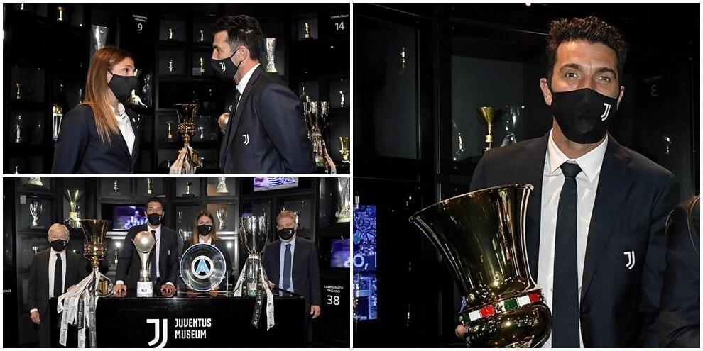 Juventus, Buffon consegna la Coppa Italia al museo del club