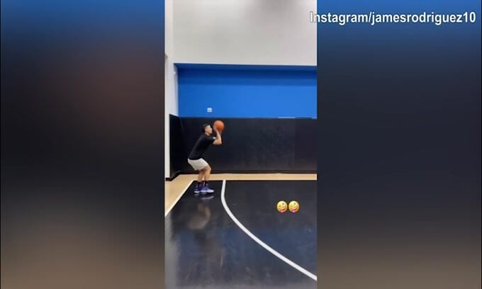 James Rodriguez, campione anche a basket