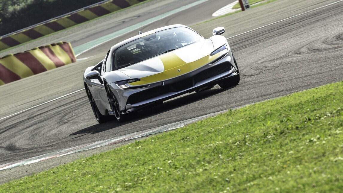 Ferrari SF90 Stradale Assetto Fiorano, il test