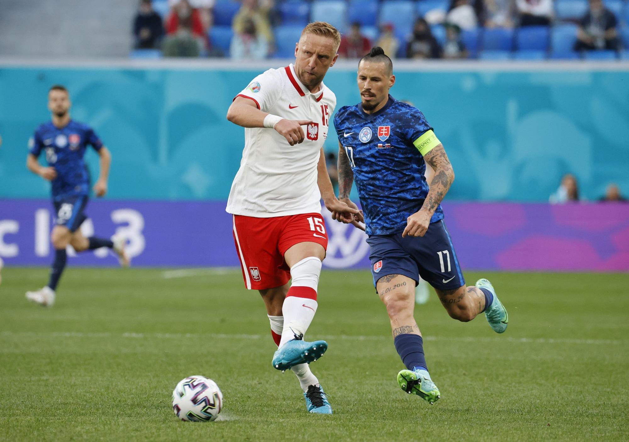 Polonia ko con la Slovacchia di Hamsik: decide Skriniar
