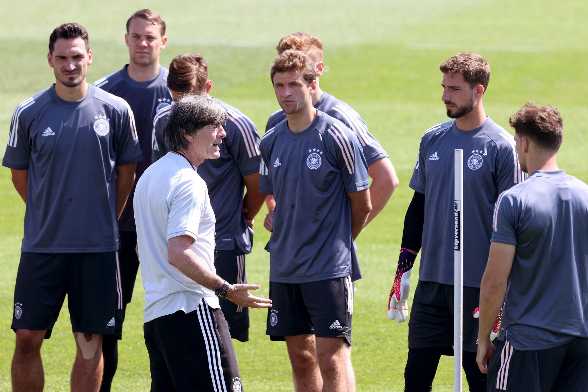 Low tiene a rapporto la Germania: con il Portogallo è già uno spareggio